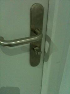 porte WC avec verrou
